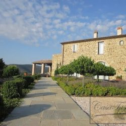 Umbrian Farmhouse with Pool for Sale image 12
