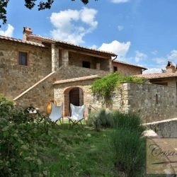 Val d'Orcia Farmhouse for Sale image 10
