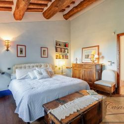 Val d'Orcia Farmhouse for Sale image 6