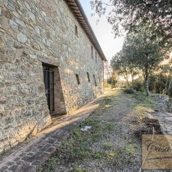 Val d'Orcia Farmhouse for Sale image 16