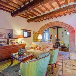 Val d'Orcia Farmhouse for Sale image 3