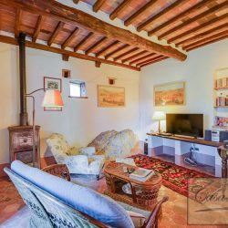 Val d'Orcia Farmhouse for Sale image 4