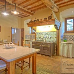 Luxury Chianti Property for Sale image 18