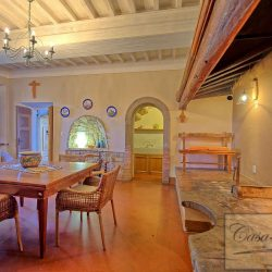 Luxury Chianti Property for Sale image 13