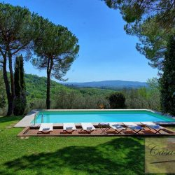Luxury Chianti Property for Sale image 10