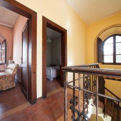 Historic Villa for Sale in Spoleto image 2