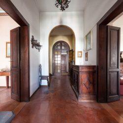 Historic Villa for Sale in Spoleto image 1