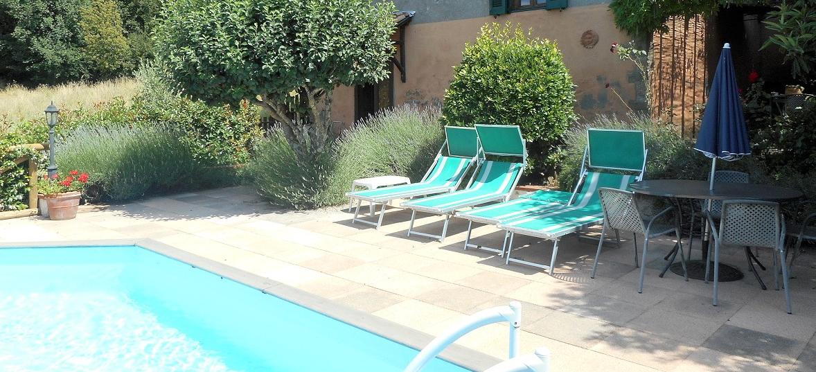 v4489 pool