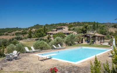 Stunning Property with Multiple Buildings near Lisciano Niccone