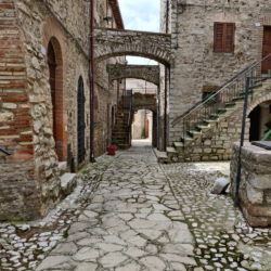 Delightful Umbrian Village House with 3 Terraces for sale (27)