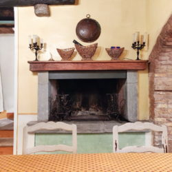 Delightful Umbrian Village House with 3 Terraces for sale (35)