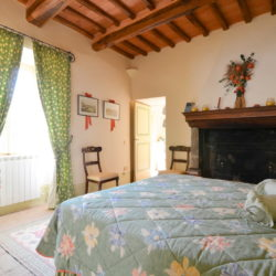 Delightful Umbrian Village House with 3 Terraces for sale (42)