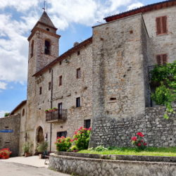 Delightful Umbrian Village House with 3 Terraces for sale (44)