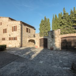 Sarteano Villa with Roman Pool and 2.5 Hectares 13