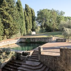 Sarteano Villa with Roman Pool and 2.5 Hectares 6