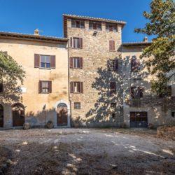 Large Historic Villa for Sale in Magione 14