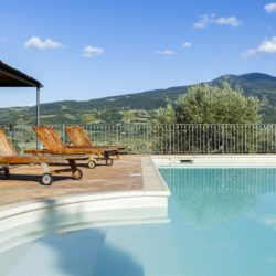 Delightful Country Farmhouse with Pool 7