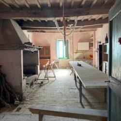 Farmhouse to Restore near Castiglione del Lago 7