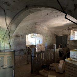 Farmhouse to Restore near Castiglione del Lago 11