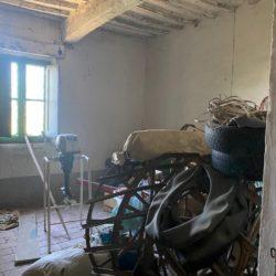 Farmhouse to Restore near Castiglione del Lago 16