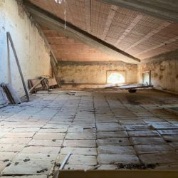 Farmhouse to Restore near Castiglione del Lago 21