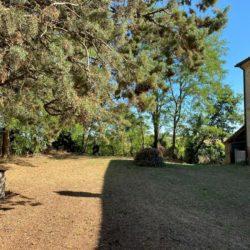 Farmhouse to Restore near Castiglione del Lago 3