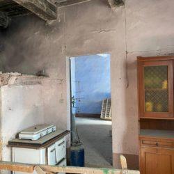 Farmhouse to Restore near Castiglione del Lago 4