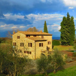 Sarteano Villa with Roman Pool and 2.5 Hectares 15