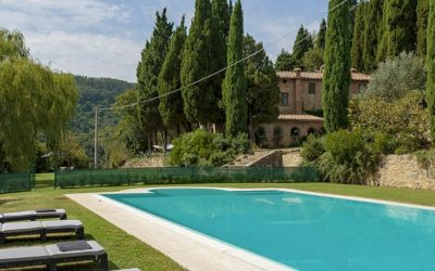 Luxury Rental: 5 Bedroom Villa near Chianni with Pool + Cinema Room
