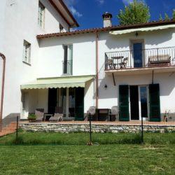Villa with Apartments in Coreglia Antelminelli 4