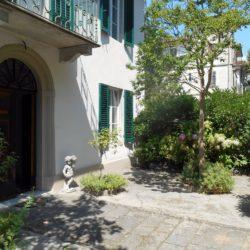 Villa with Apartments in Coreglia Antelminelli 3