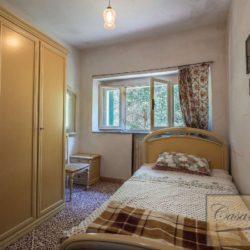 Villa to Restore Near Pienza 13