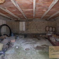 Villa to Restore Near Pienza 17