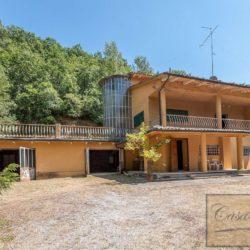 Villa to Restore Near Pienza 1