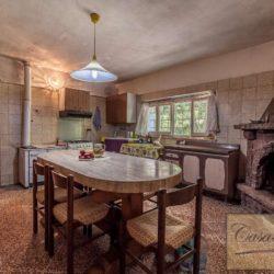 Villa to Restore Near Pienza 8
