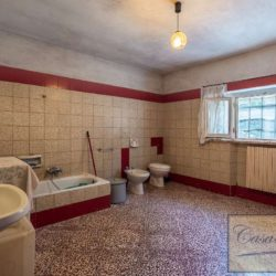 Villa to Restore Near Pienza 16