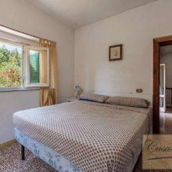 Villa to Restore Near Pienza 10