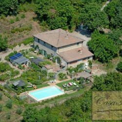 Restored Chianti Farmhouse with Infinity Pool 4