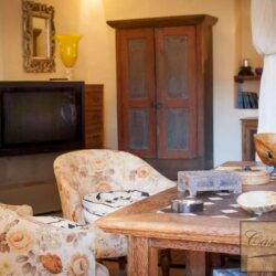 Renovated Cetona Apartment with Parking 1