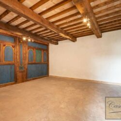 Renovated Cetona Apartment with Parking 4