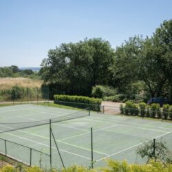 Apartment with Shared Pool + Tennis Court 5