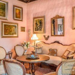 Large Historic Villa with Private Chapel near Cortona 25