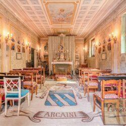 Large Historic Villa with Private Chapel near Cortona 27