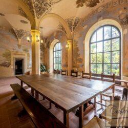Large Historic Villa with Private Chapel near Cortona 16