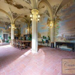 Large Historic Villa with Private Chapel near Cortona 17