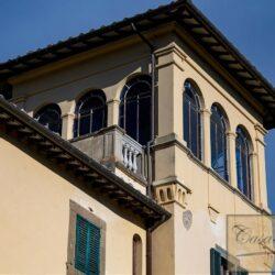 Large Historic Villa with Private Chapel near Cortona 8
