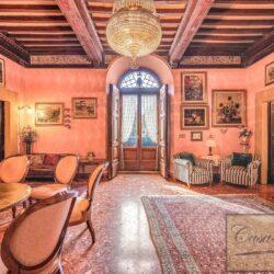 Large Historic Villa with Private Chapel near Cortona 24