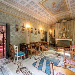 Large Historic Villa with Private Chapel near Cortona 29