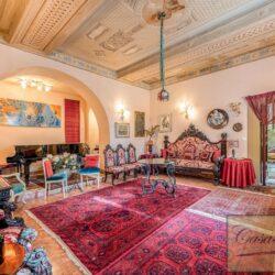 Large Historic Villa with Private Chapel near Cortona 26