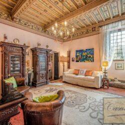 Large Historic Villa with Private Chapel near Cortona 20